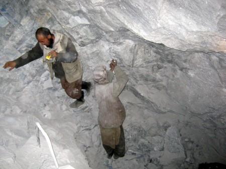 minatori al lavoro, Sar-e-Sang, credits Giuliano Battiston