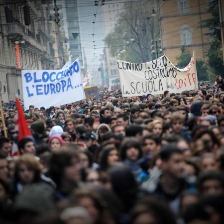 Sciopero generale, tensione e scontri a Torino
