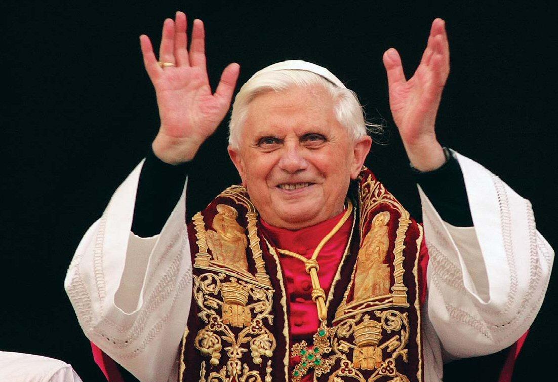 Due o tre cose a proposito del nuovo papa (e di quello uscente)