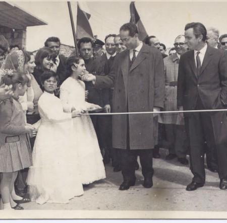 Foto_1966_Ginestra_Festa_dellautonomia_-_Emilio__Colombo