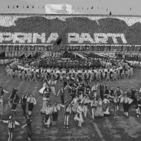 festeggiamenti nello stadio di tirana