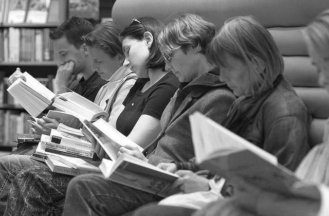 peoplereading