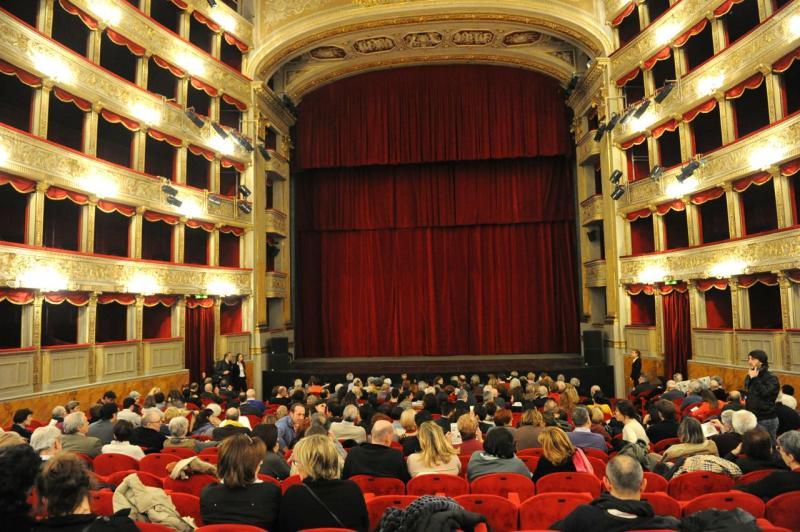 Risultati immagini per teatro argentina