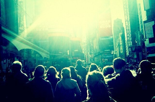 cities-city-crowd-crowds-new-york-people-favim_com-89792