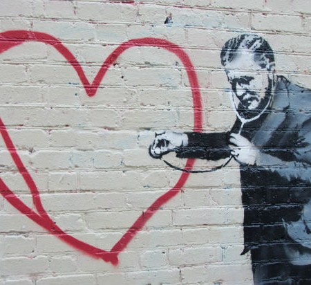 Banksy Box Canvas A3 Large heart Doctor