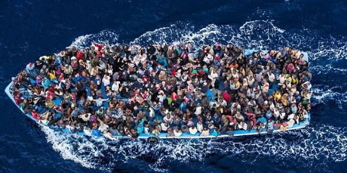 migranti-barcone-680x340
