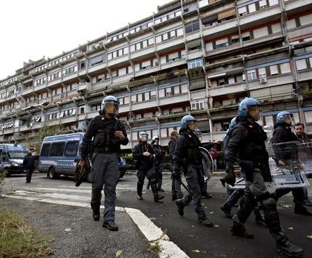 Riot police in Tor Sapienza