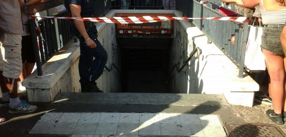 atac-metro-roma-bimbo-morto
